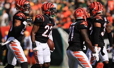 Week 8 defense & D/ST rankings and the best streaming defense options for fantasy football 2021, including the Bengals, Eagles & Falcons.