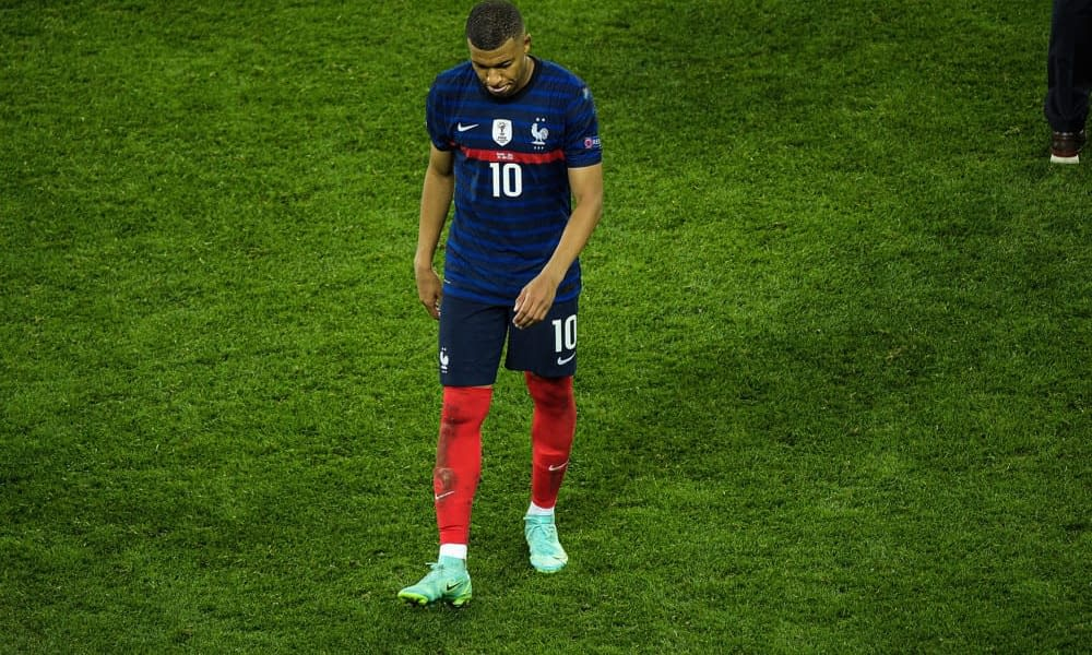 Kylian Mbappe received a message from Pele after his missed PK against Switzerland resulted in a heartbreaking loss for France
