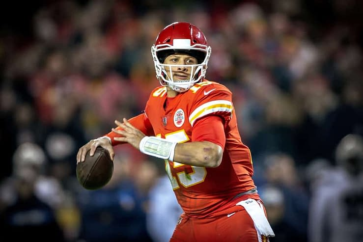 WEek 6 NFL DFS Stacks DraftKings FanDuel daily fantasy football ownership projections rankings advice optimal lineup optimizer free expert tips strategy plays Patrick Mahomes Tyreek Hill Travis Kelce Chiefs