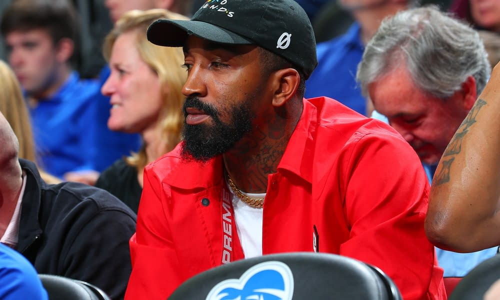 JR Smith had to receive medical attention during his first college golf competition after running into a nasty beehive during the second round