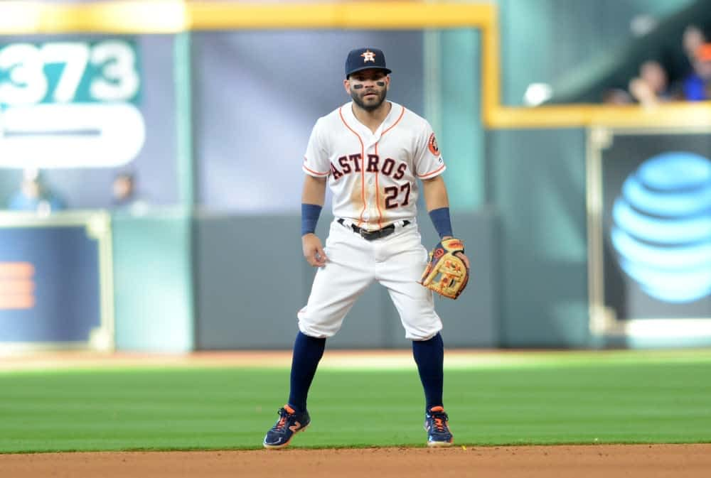 Awesemo's free expert MLB DFS live show with fantasy baseball news, picks and projections for DraftKings and FanDuel lineups today 10/15