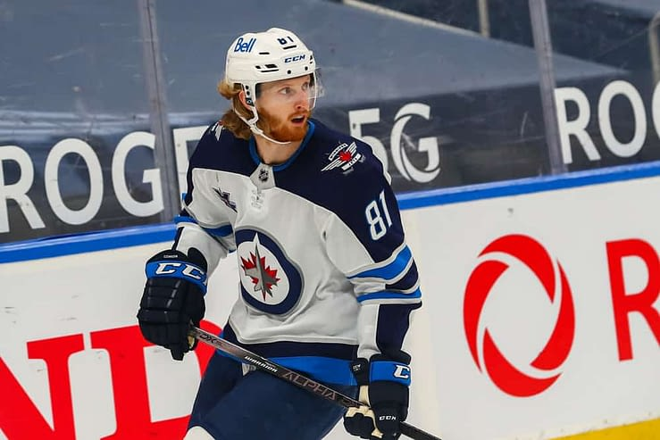 DraftKings & FanDUel NHL DFS Picks for Saturday April 17 based on Awesemo's expert projections and top stacks tool with Kyle Connor