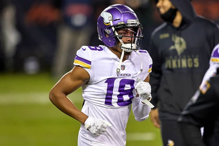 Week 17 NFL DFS Picks for DraftKings and FanDuel based on WR-CB matchups and expert projections for daily fantasy football