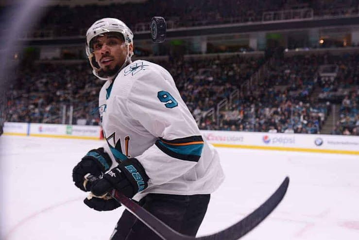 Jake Hari and Terry McBride break down the best fantasy hockey plays on Friday's NHL DFS slate for DraftKings + FanDuel on 4/19/21.