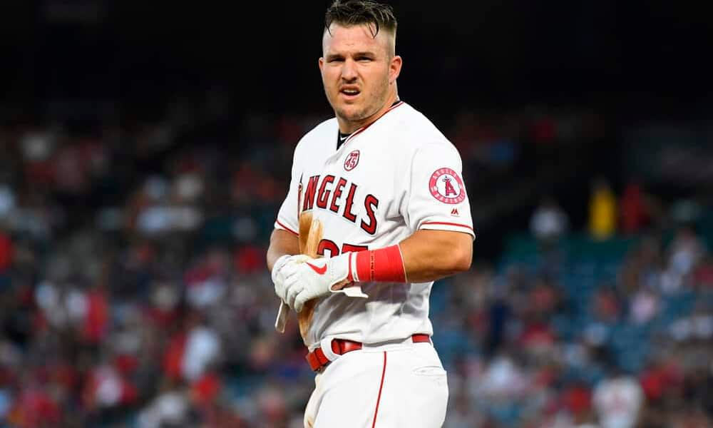DraftKings Cheatsheet: MLB DFS Picks for August 24 | Mike Trout thumbnail
