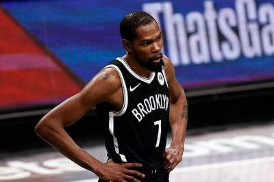 Tonight's NBA DFS picks, DraftKings and FanDuel news, notes & lineups, as well as look at the day's betting picks & player props 10/19/21.