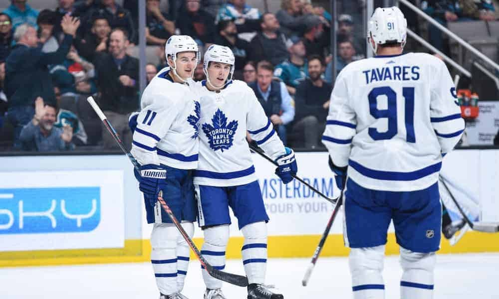 DraftKings & FanDuel NHL DFS Picks for Daily fantasy hockey lineups on Thursday April 15 with John Tavares based on Awesemo's expert projections and top stacks tool
