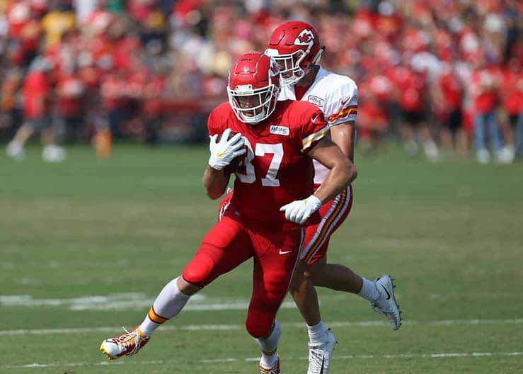 Our FREE NFL DFS Picks Cheatsheet for Conference Championship Weekend on FanDuel, using Awesemo projections. We've got Travis Kelce +