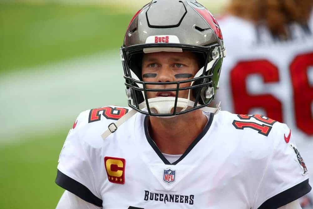 The best Yahoo NFL Picks for Week 4 Sunday Night Football Patriots vs. Buccaneers single-game contests using expert projections, rankings & ownership