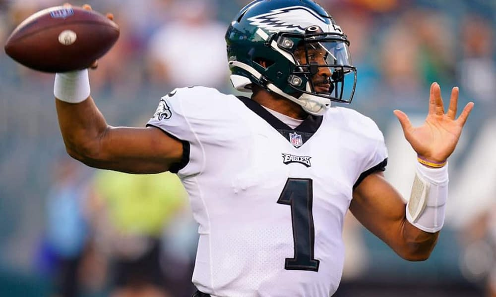 Thursday Night Football Prop Bets: Expert Betting Picks & Predictions for Buccaneers vs. Eagles Tonight