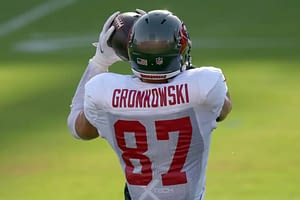 NFL DFS Picks for DraftKings and FanDuel Super Bowl LV matchup breakdown Rob Gronkowski