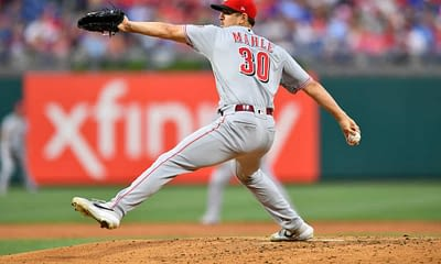 DraftKings & FanDUel daily fantasy baseball pitchers for MLB DFS lineups on MOnday May 10 with Tyler Mahle based on projections