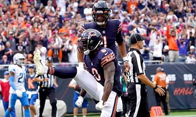 Week 5 fantasy football waiver wire adds sleepers breakouts Damien Williams Bears running back must add players Latavius Murray Ravens RB rankings projections free agents pickups FAAB budget