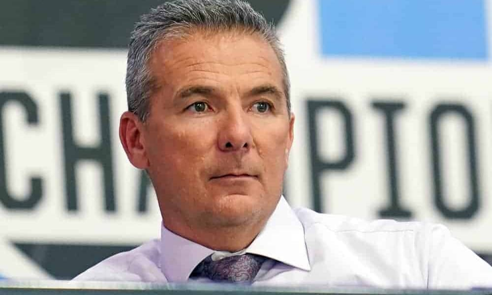 """Urban Meyer's wife Shelley """"liked"""" a couple tweets from a supporter who said she 'deserves better' in wake of the viral video of Urban at a bar"""