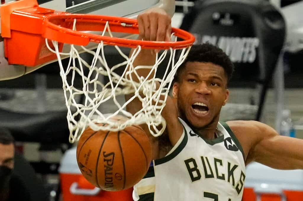 NBA DFS picks DraftKings FanDUel optimal lineup optimizer tonight today starting lineup injury report daily fantasy basketball Giannis Antetokounmpo Lakers Bucks Warriors Nets Kevin Durant LeBron James ANthony Davis advice tips strategy best bets predictions lines odds parlays