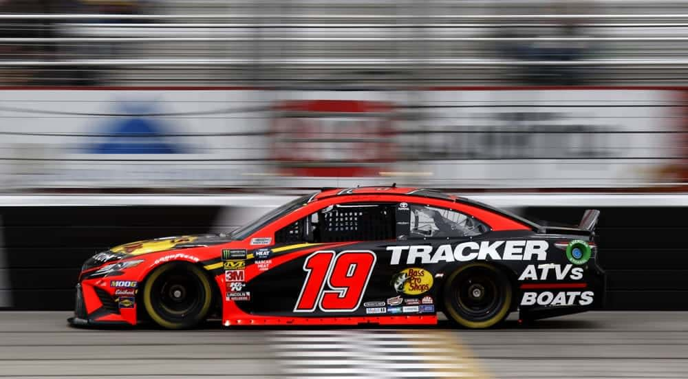 NASCAR DFS Picks FanDuel Cheatsheet for the Federated Auto Parts 400 based of Awesemo's industry leading projections for DraftKings