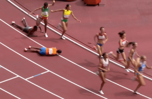 Sifan Hassan falls during Olympic race