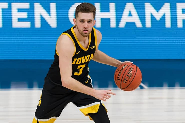March Madness NCAA Tournament College basketball Bracket seedings, snubs, sleepers and picks featuring Iowa, Gonzaga and Illinois