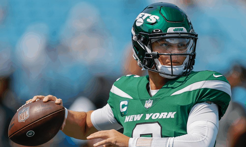 Zach Wilson's mom, Lisa Wilson, took to social media to lash out at all the trolls who weren't impressed with the Jets QB's performance on Sunday