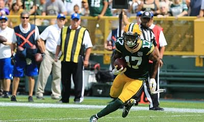 DraftKings NFL DFS SHowdown Picks Monday Night FOotball Packers vs Lions cheat sheet free expert projections