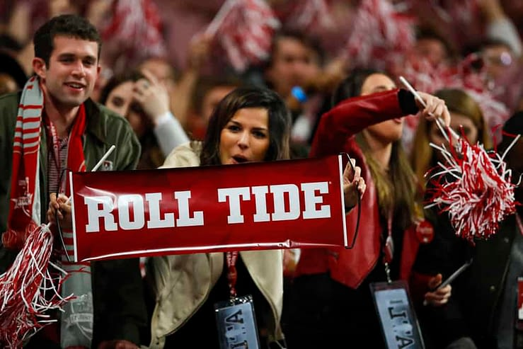 Julian Edlow gives his free College Football Picks and finds the best college football odds for the 10/24 betting slate | Alabama + Iowa