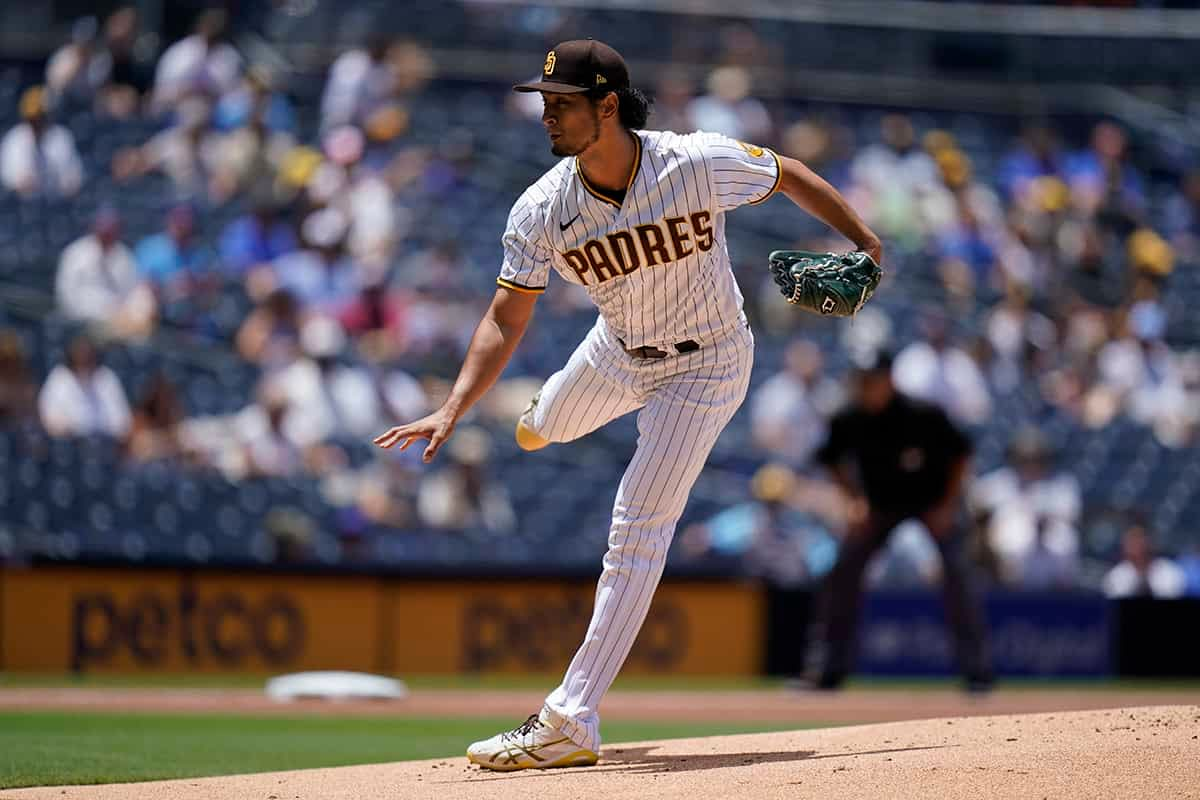 Awesemo's free expert MLB DFS live show with fantasy baseball news, picks and projections for DraftKings and FanDuel lineups today 9/28.