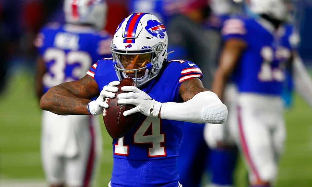 Week 4 NFL DFS picks. 4 hour Live Before Lock daily fantasy football NFL news, picks and injuries for DraftKings + FanDuel | Sunday 10/3