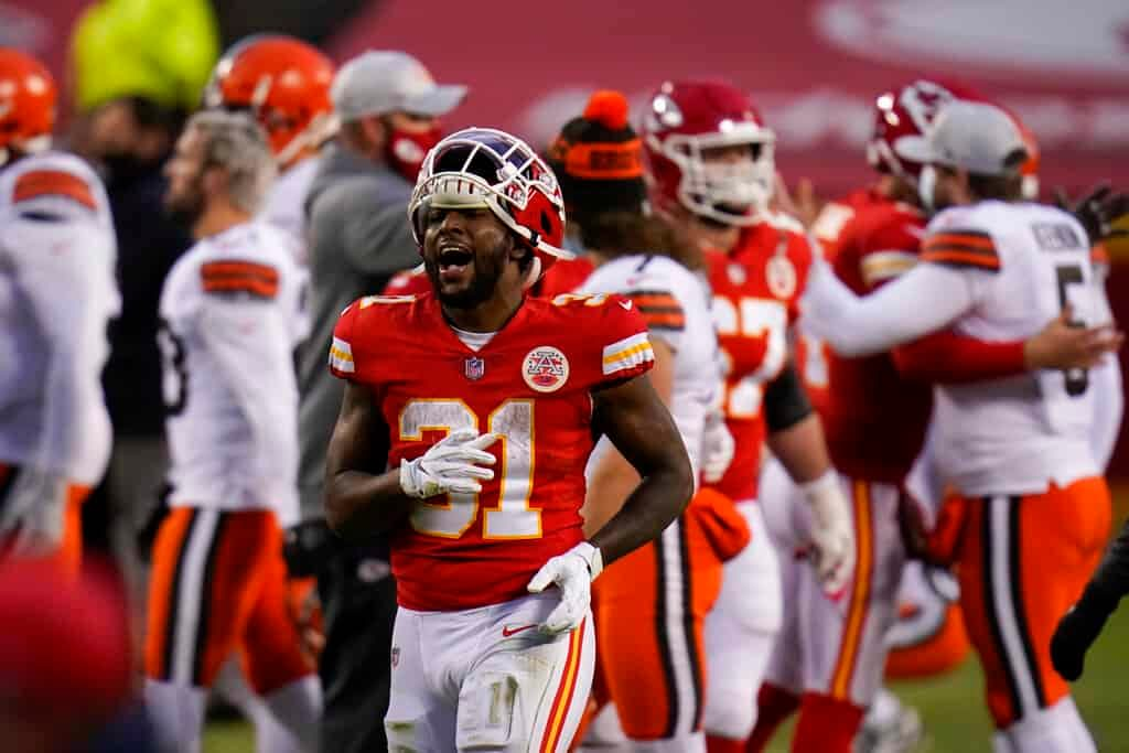 Fantasy Football Show recapping Week 6 top performances and top Week 7 waiver wire pickups. FREE live fantasy football advice Monday, 10/18