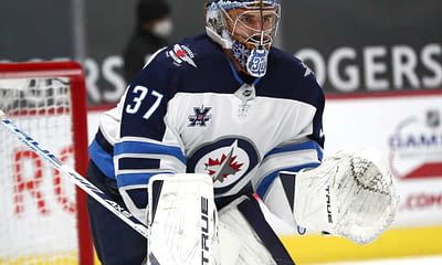 Awesemo's free FanDuel NHL DFS Picks cheat sheet for fantasy hockey lineups based on expert projections featuring Connor Hellebuyck 4/12/21.