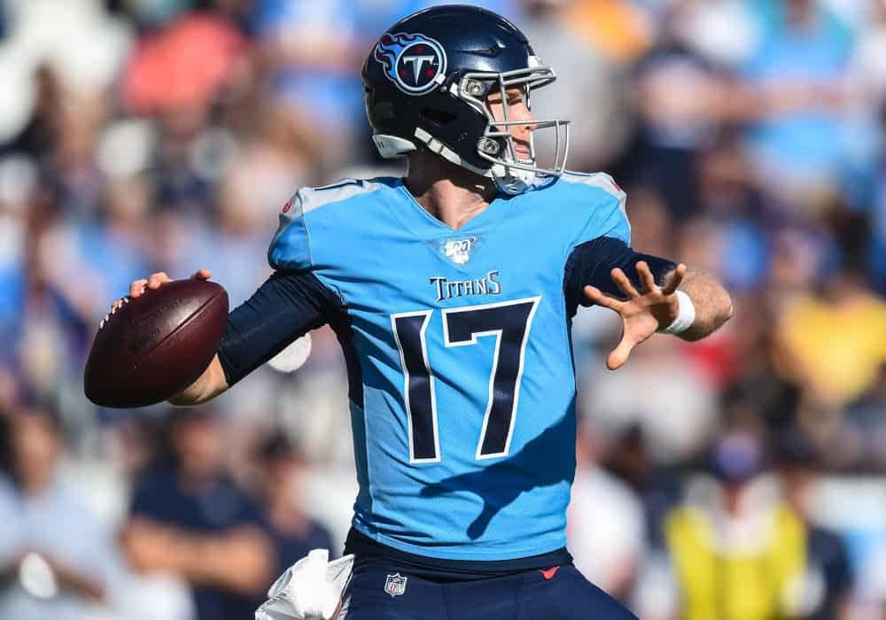 FREE FanDuel Cheat Sheet with NFL DFS Picks for the Week 10 Thursday Night Football Showdown slates based on Awesemo Expert Projections.