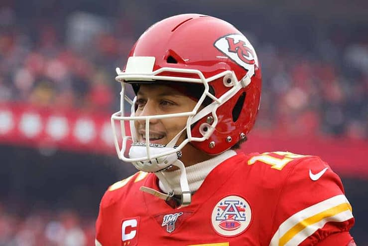 2021 expert fantasy football best ball draft strategy advice tips zero RB running back quarterback tight end wide receiver Patrick Mahomes Yahoo CBS ESPN DraftKings FFPC UnderDog rankings projections cheat sheet