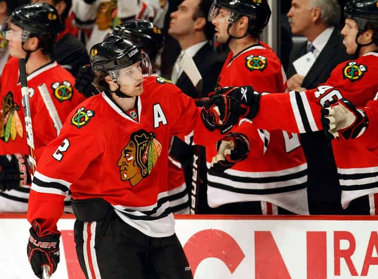 The NHL community has a mixed reaction to the news of Chicago Blackhawks defenseman Duncan Keith being traded to Edmonton