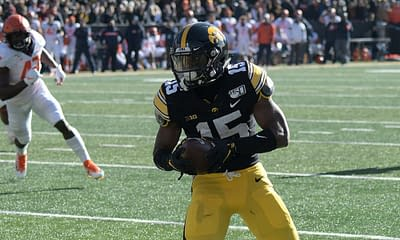 2021 Iowa Hawkeyes Big 10 Conference COllege FOotball season preview depth chart roster schedule fantasy football betting picks
