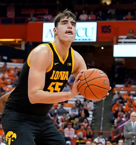 Austyn gives out his top 3/12/20 CBB DFS picks for DraftKings + FanDuel on Thursday, 3/12/20, including Luka Garza.
