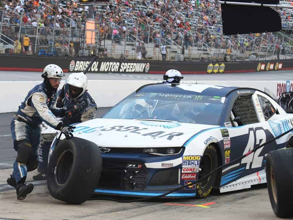 NASCAR Betting odds picks predictions best bets Cook Out Southern 500 Darlington Motor Speedway Kyle Larson this week BetMGM