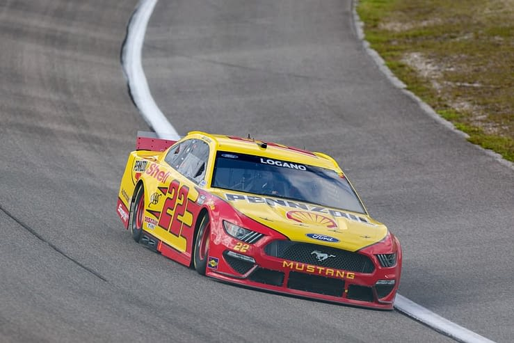 FanDuel NASCAR Picks Blue-Emu Maximum Pain Relief Cheat Sheet 4/10 with Joey Logano