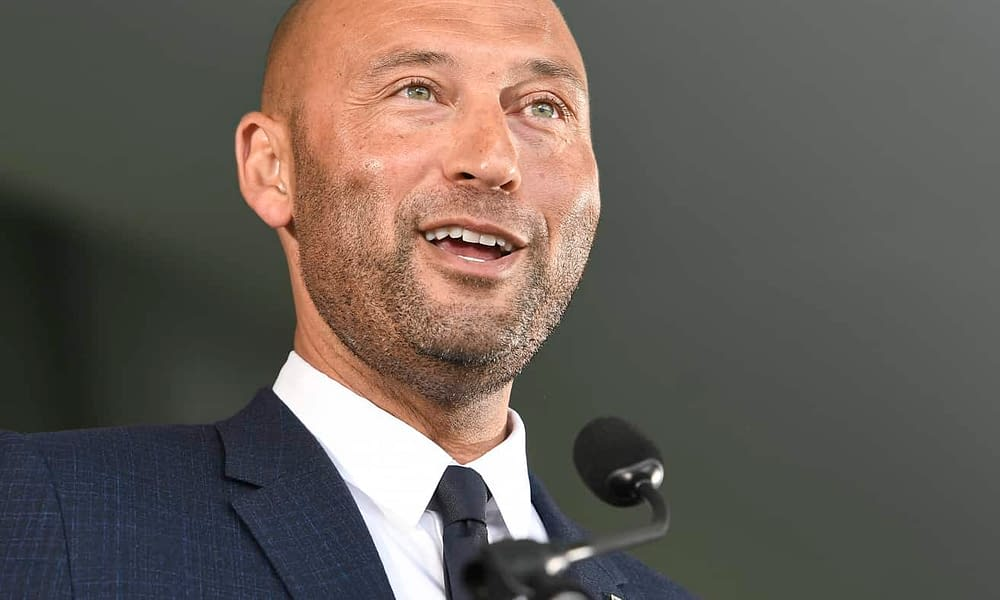 During his Hall of Fame speech today, Derek Jeter threw some hilarious shade at the one writer who didn't vote for him on the first ballot