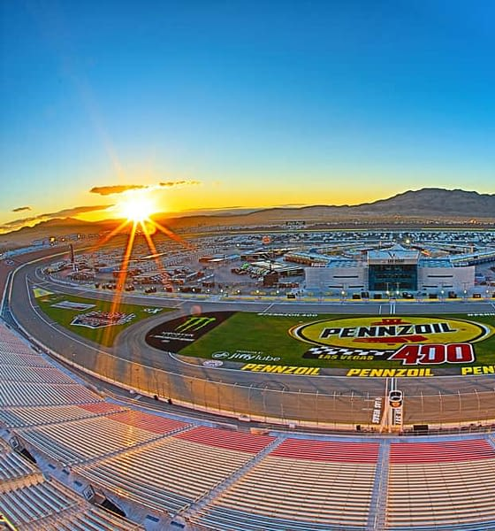 NASCAR DFS Pennzoil 400 DraftKings and FanDuel lineups Las Vegas Motor Speedway race this Sunday with a free race preview from our Awesemo NASCAR expert Phil Bennetzen