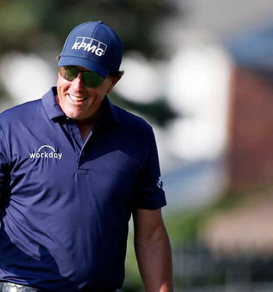PGA DFS Daily Fantasy Golf Northern Trust DraftKings FanDuel Top 5 sleepers picks Phil Mickelson las vegas betting odds golf best bets this week projections rankings