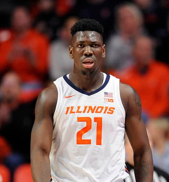 CBB DFS Picks for DraftKings and FanDuel daily fantasy college basketball lineups including Illinois, Michigan and Duke with top stacks