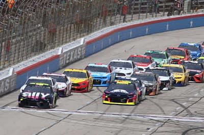 O'Reilly Auto Parts 500 NASCAR DFS Preview for DraftKings and FanDuel