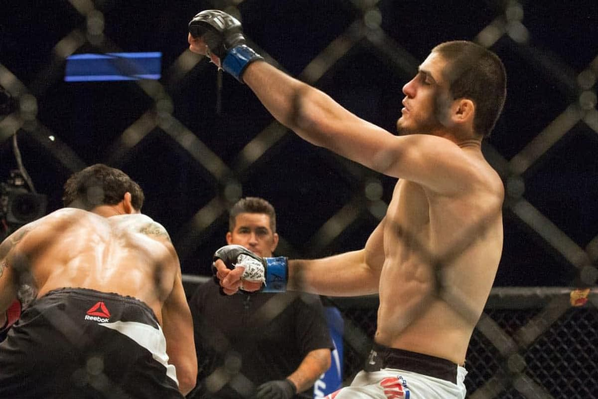 MMA DFS picks for DraftKings and FanDuel for Makhachev vs. Moises with Awesemo's FREE expert projections | 7/17.
