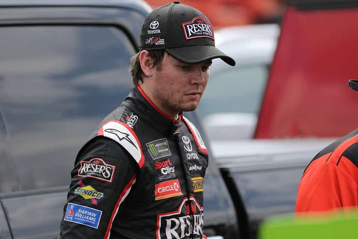 Free DraftKings NASCAR DFS Picks cheat sheet for the Quaker State 400 race today with expert fantasy lineup projections for Erik Jones.