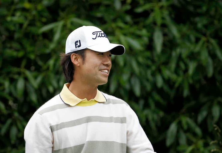 PGA veteran Kevin Na hit one of the most amazing shots at the John Deere Classic, chipping a ball with his putter somehow